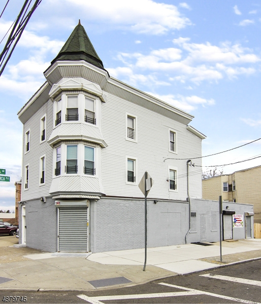Commercial / Office for Sale at 851 SUMMER AVE 851 SUMMER AVE Newark, New Jersey 07104 United States