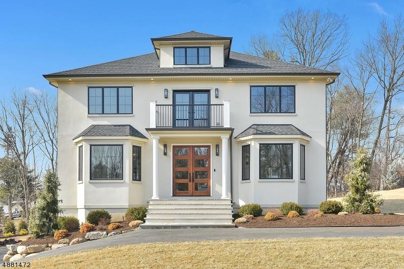 Частный односемейный дом для того Продажа на 31 GRAHAM Avenue North Haledon, Нью-Джерси 07508 Соединенные Штаты