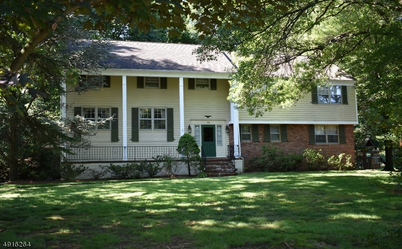 Single Family Homes pour l Vente à Springfield, New Jersey 07081 États-Unis