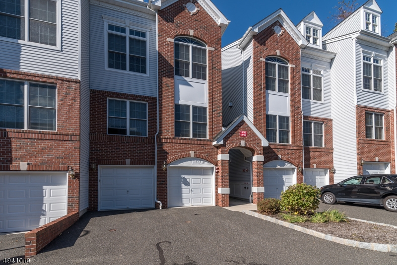 Condo / Townhouse for Sale at Hawthorne, New Jersey 07506 United States