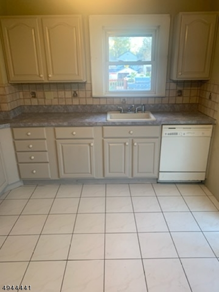 Additional photo for property listing at  Hillside, New Jersey 07205 États-Unis