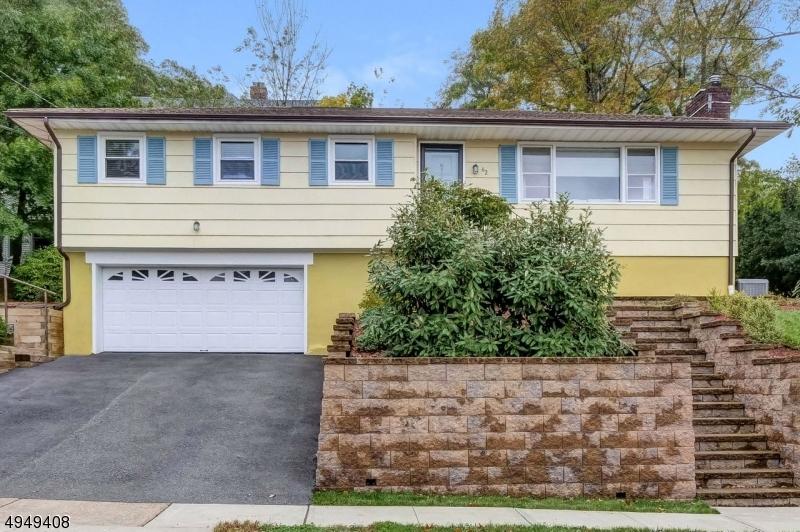 Single Family Homes por un Venta en Caldwell, Nueva Jersey 07006 Estados Unidos