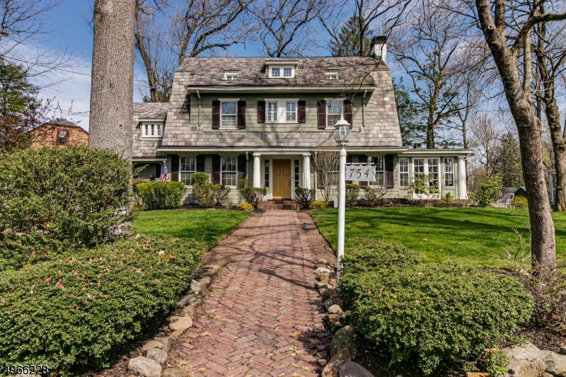 Single Family Homes 为 销售 在 平原镇, 新泽西州 07062 美国