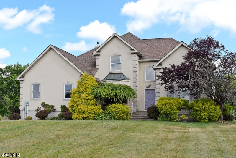 Single Family Homes のために 売買 アット Fredon, ニュージャージー 07860 アメリカ