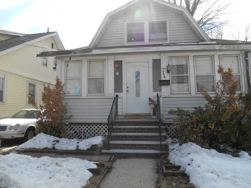 Additional photo for property listing at 1308 Crescent Avenue  Roselle, Nueva Jersey 07203 Estados Unidos