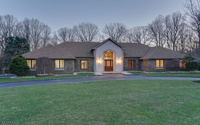 Casa Unifamiliar por un Venta en 21 BRANDYWINE Lane Colts Neck, Nueva Jersey 07722 Estados Unidos