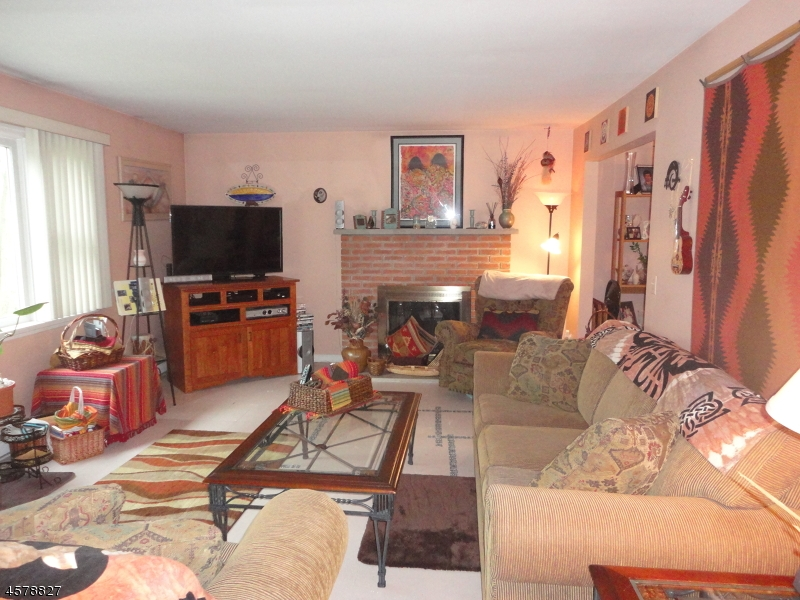Additional photo for property listing at 415 LYNDALE Street  Phillipsburg, Нью-Джерси 08865 Соединенные Штаты