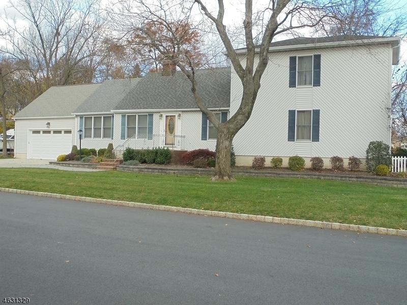 独户住宅 为 销售 在 20 Reinmann Drive 东汉诺威, 07936 美国