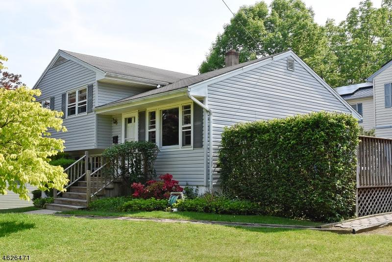 Casa Unifamiliar por un Venta en 75 Flemington Drive Parsippany, Nueva Jersey 07054 Estados Unidos