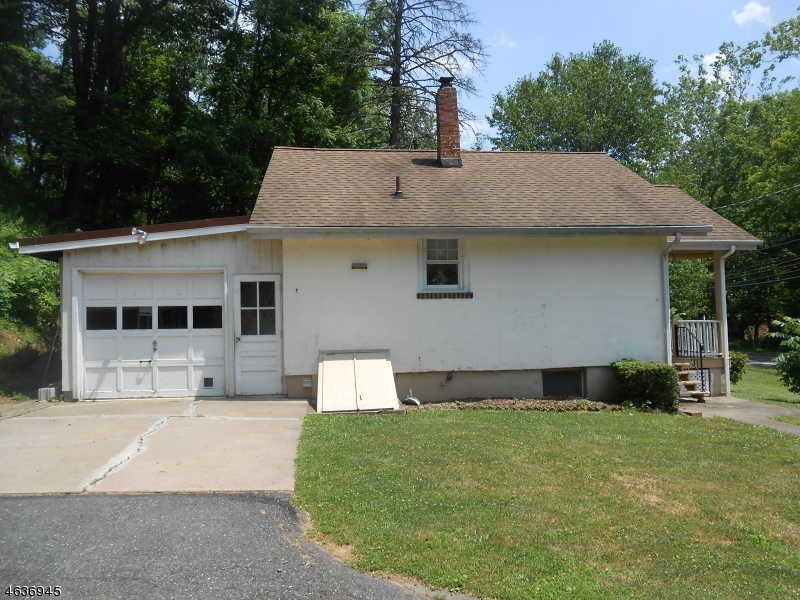 Additional photo for property listing at 286 Milford Warren Glen Road  Milford, New Jersey 08848 États-Unis
