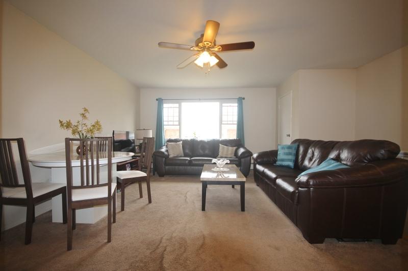 Casa Unifamiliar por un Venta en 1263B VALLEY Road Wayne, Nueva Jersey 07470 Estados Unidos