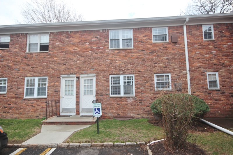 Additional photo for property listing at 1263B VALLEY Road  Wayne, Nueva Jersey 07470 Estados Unidos