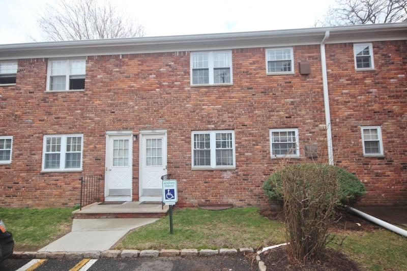 Additional photo for property listing at 1263B VALLEY Road  Wayne, Нью-Джерси 07470 Соединенные Штаты