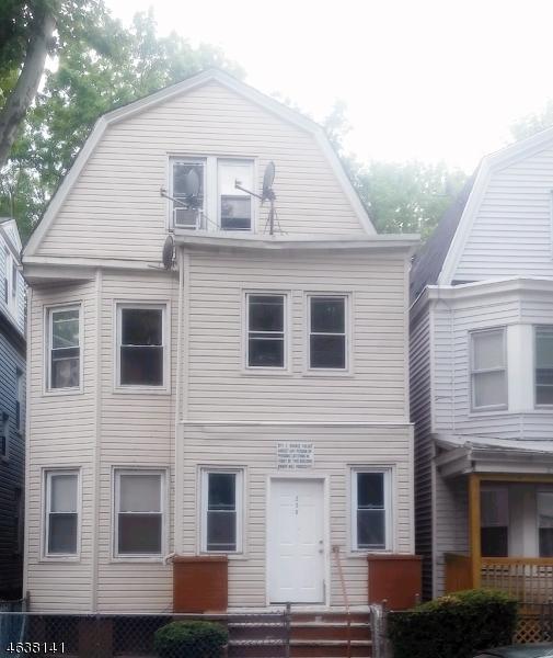 Многосемейный дом для того Продажа на Address Not Available East Orange, Нью-Джерси 07018 Соединенные Штаты