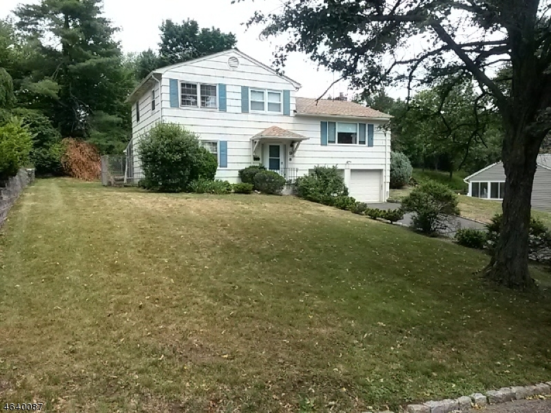 Additional photo for property listing at 9 Rand Drive  West Orange, New Jersey 07052 United States
