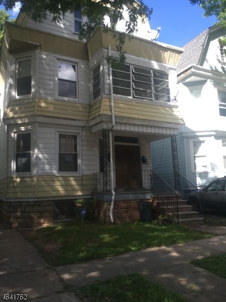 Additional photo for property listing at 34 Rhode Island Avenue  East Orange, New Jersey 07018 États-Unis