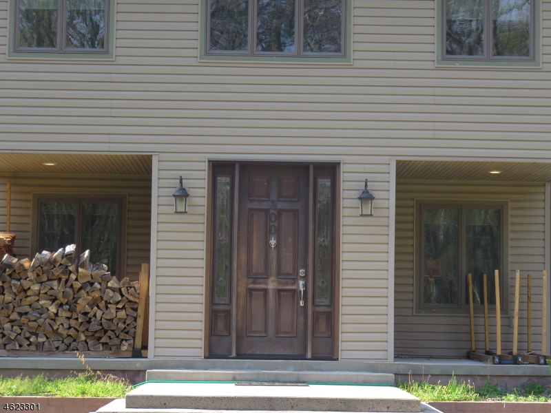 Additional photo for property listing at 300 Zion Road  Hillsborough, Nueva Jersey 08844 Estados Unidos