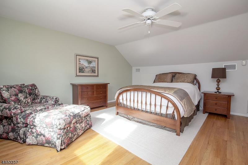Additional photo for property listing at 5 Lee Avenue  Madison, New Jersey 07940 United States