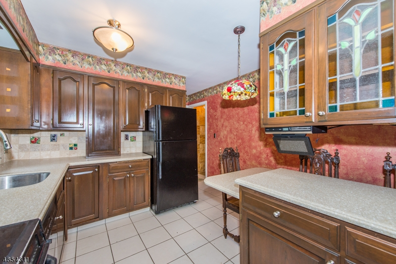 Additional photo for property listing at 107 Demarest Avenue  Closter, Нью-Джерси 07624 Соединенные Штаты