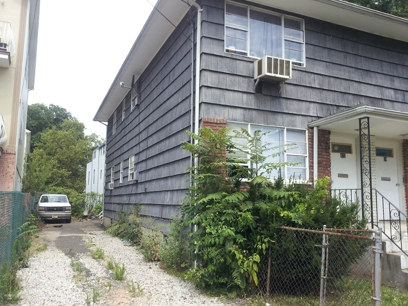 Additional photo for property listing at 422-424 JACKSON Avenue  Elizabeth, New Jersey 07201 United States