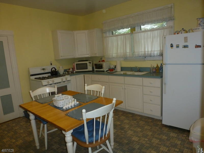 Additional photo for property listing at 75 Kiel Avenue  Butler, New Jersey 07405 États-Unis