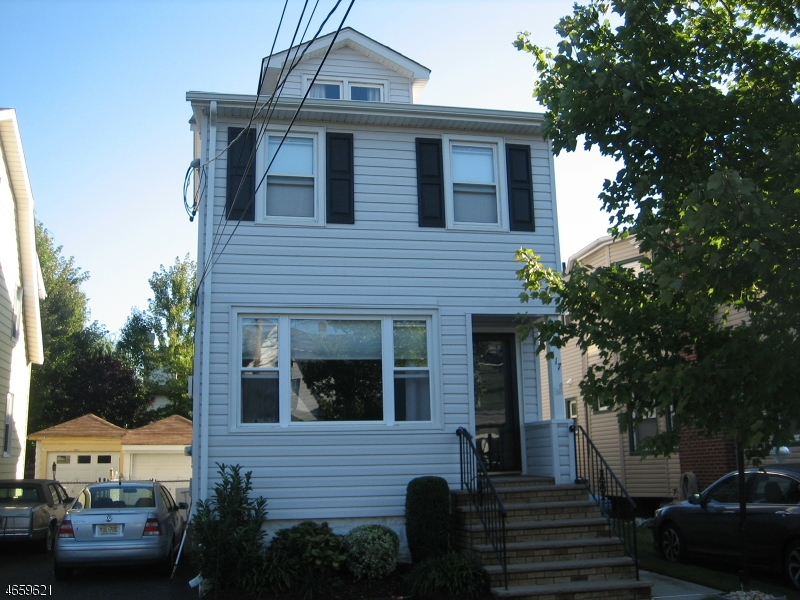独户住宅 为 销售 在 417 Lake Avenue Lyndhurst, 07071 美国