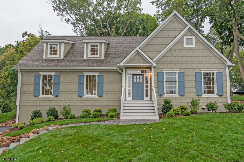 Maison unifamiliale pour l Vente à 4 Gates Lane Montclair, New Jersey 07042 États-Unis