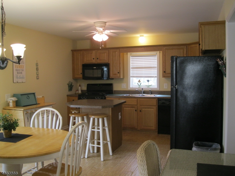 Additional photo for property listing at 315 6th Avenue  Seaside Heights, Нью-Джерси 08751 Соединенные Штаты