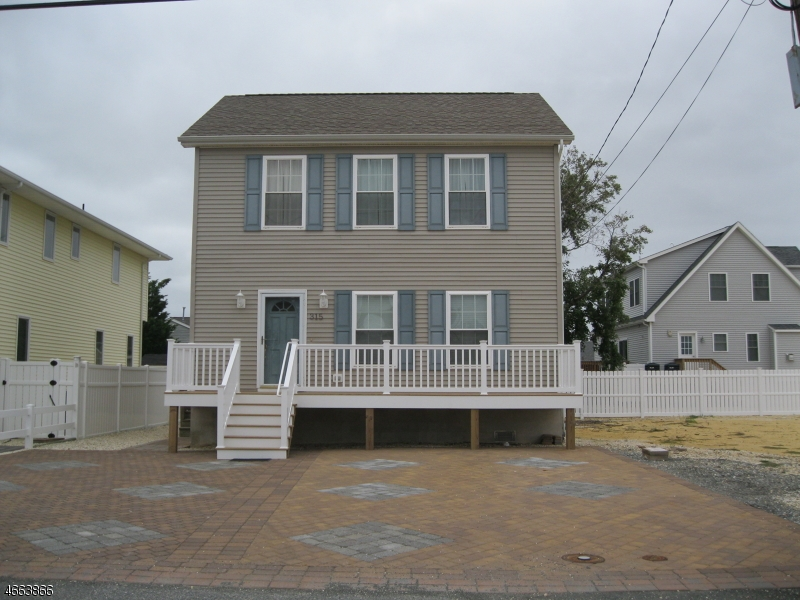 Maison unifamiliale pour l Vente à 315 6th Avenue Seaside Heights, New Jersey 08751 États-Unis