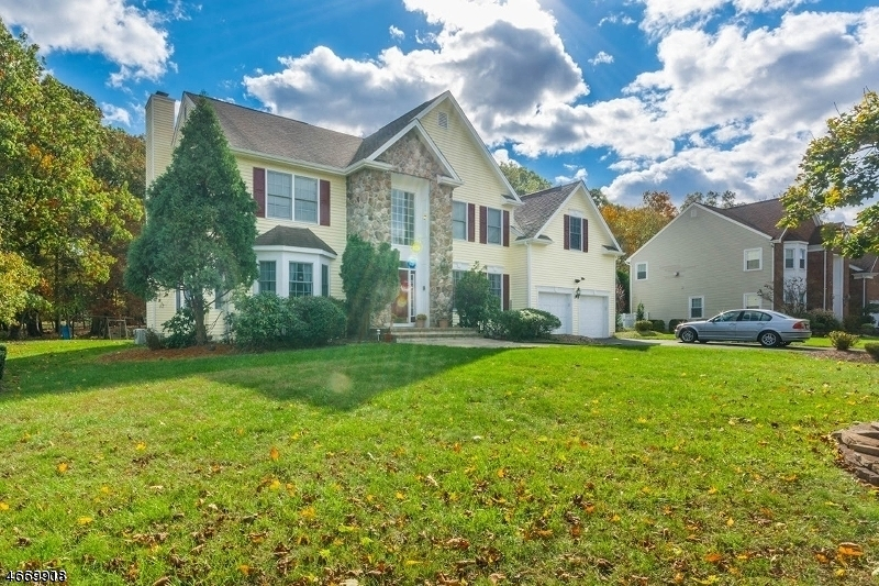 Single Family Home for Rent at 6 Swans Mill Lane Scotch Plains, New Jersey 07076 United States