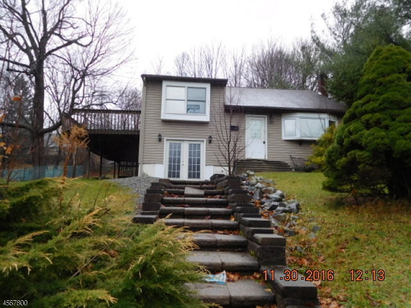 Частный односемейный дом для того Продажа на 3 Adams Drive Ogdensburg, 07439 Соединенные Штаты