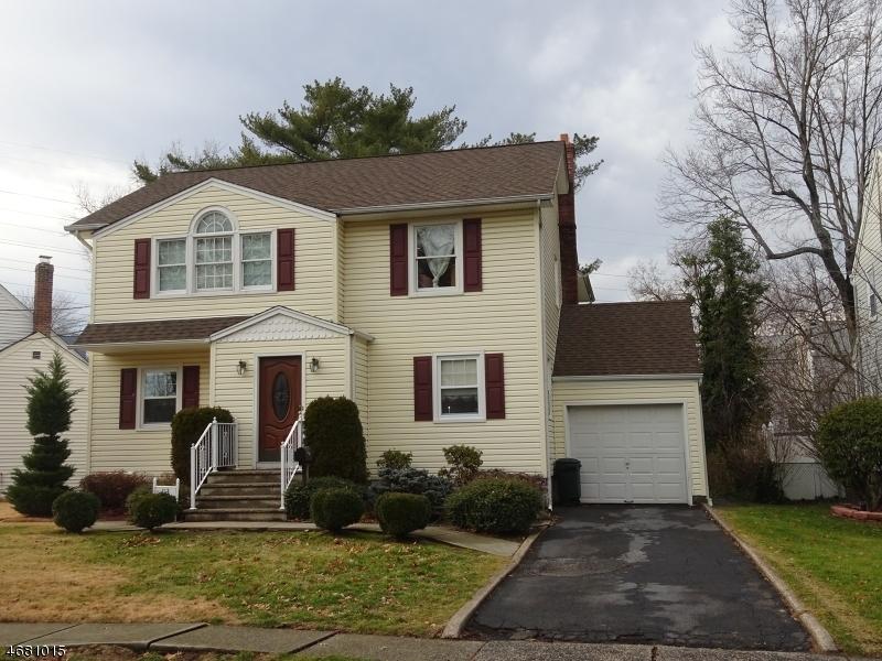 Частный односемейный дом для того Продажа на 113 Mapes Avenue Nutley, 07110 Соединенные Штаты