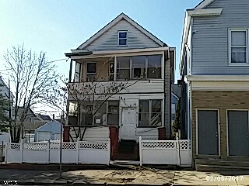 多户住宅 为 销售 在 33 Planten Avenue Prospect Park, 07508 美国
