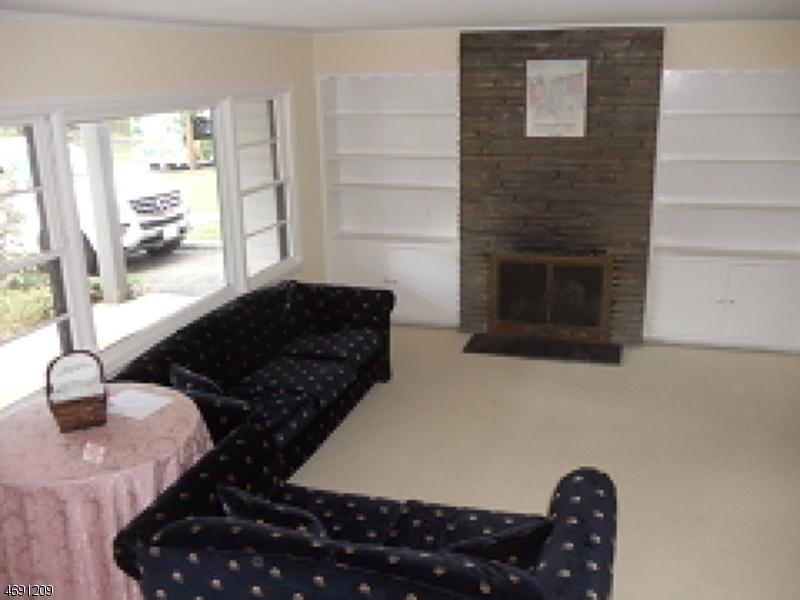 Частный односемейный дом для того Аренда на 19 Ardsleigh Drive Madison, Нью-Джерси 07940 Соединенные Штаты