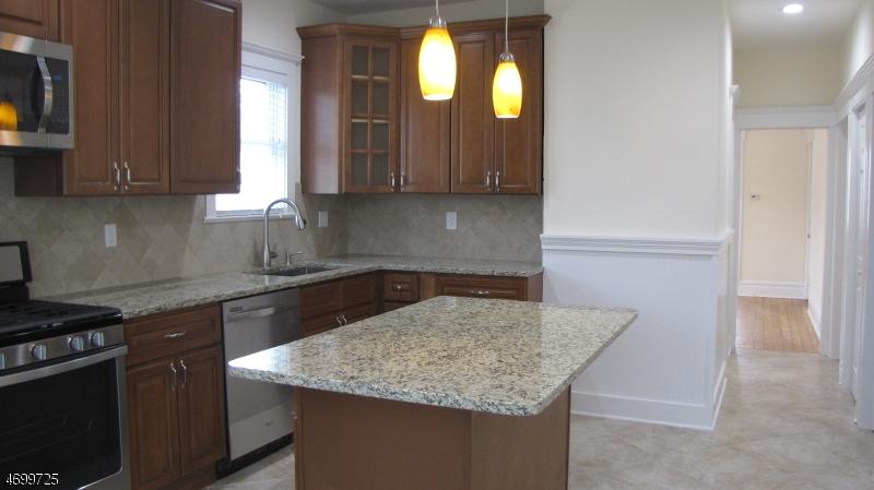 独户住宅 为 出租 在 50 Linden Avenue 布鲁姆菲尔德, 新泽西州 07003 美国