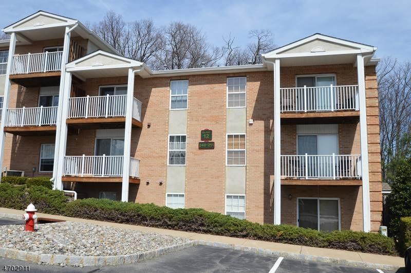 Casa Unifamiliar por un Venta en 245 Vista Drive Cedar Knolls, Nueva Jersey 07927 Estados Unidos