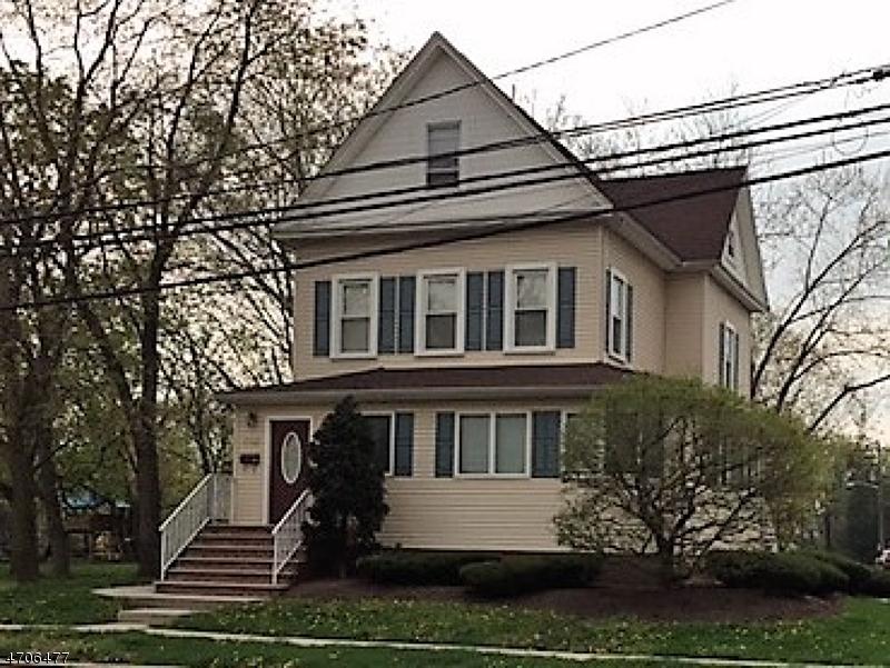 Частный односемейный дом для того Аренда на 302 Walnut Avenue Cranford, Нью-Джерси 07016 Соединенные Штаты