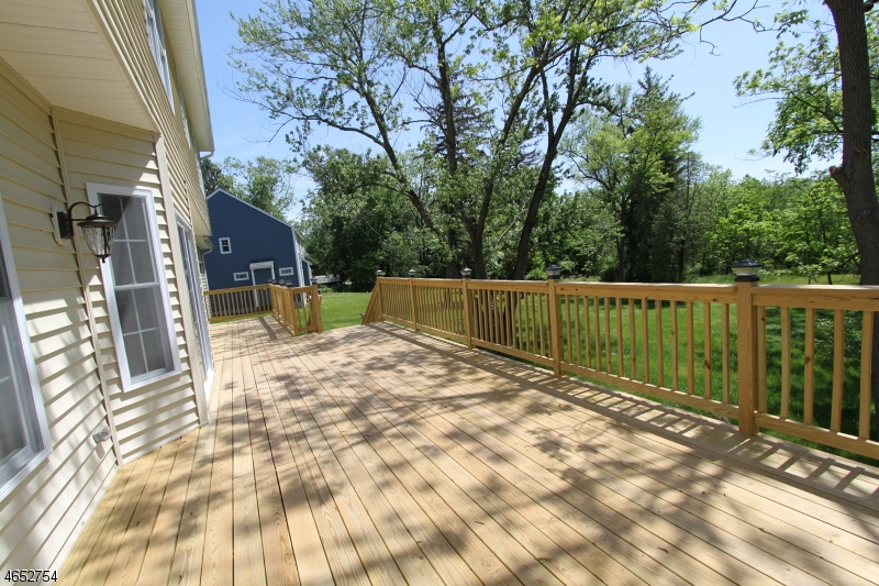 Additional photo for property listing at 659 Foothill Road  Bridgewater, New Jersey 08807 États-Unis