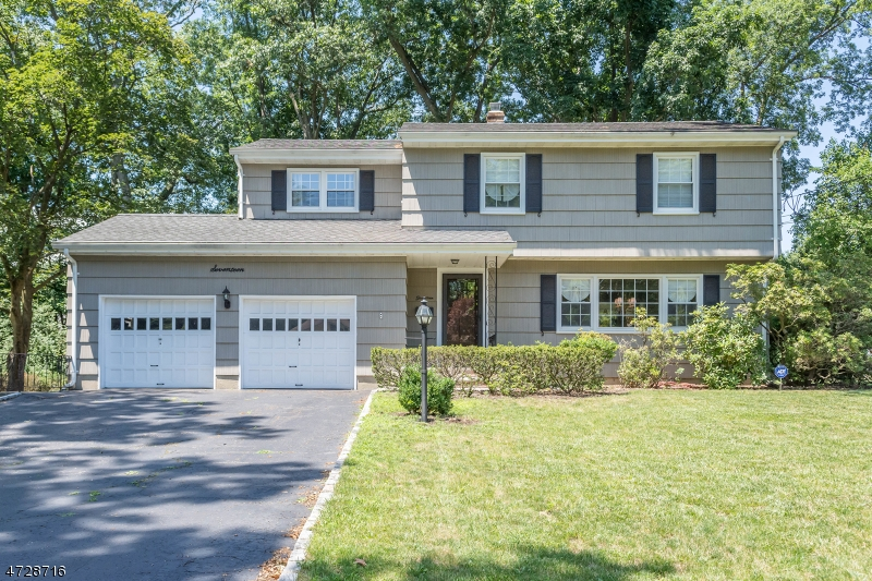 Single Family Home for Sale at 17 Glenair Avenue Waldwick, New Jersey 07463 United States