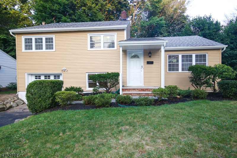 独户住宅 为 出租 在 24 Cornell Street 西奥兰治, 新泽西州 07052 美国