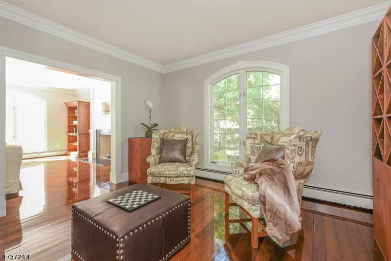 Additional photo for property listing at 75 Glen Avenue  West Orange, Nueva Jersey 07052 Estados Unidos