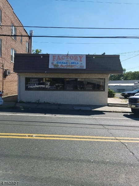 商用 为 销售 在 2083 2083 Springfield Avenue Union, 新泽西州 07088 美国