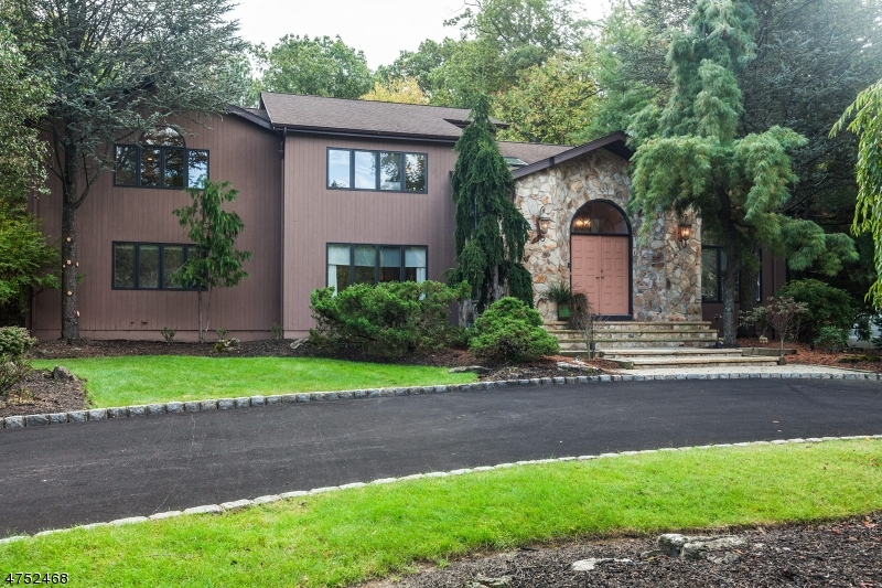 House for Sale at 8 Aspen Drive 8 Aspen Drive Caldwell, New Jersey 07006 United States