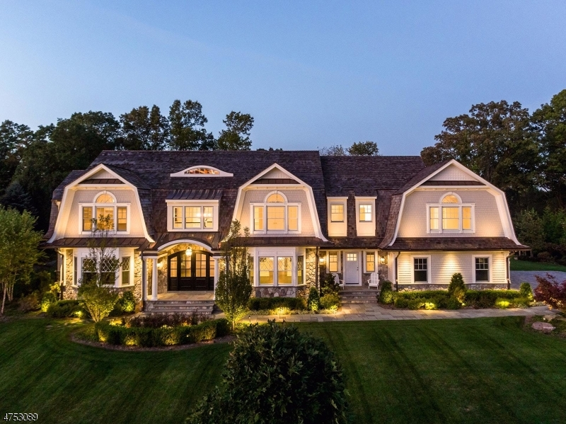 Maison unifamiliale pour l Vente à 4 Mill Brook Lane Franklin Lakes, New Jersey 07417 États-Unis