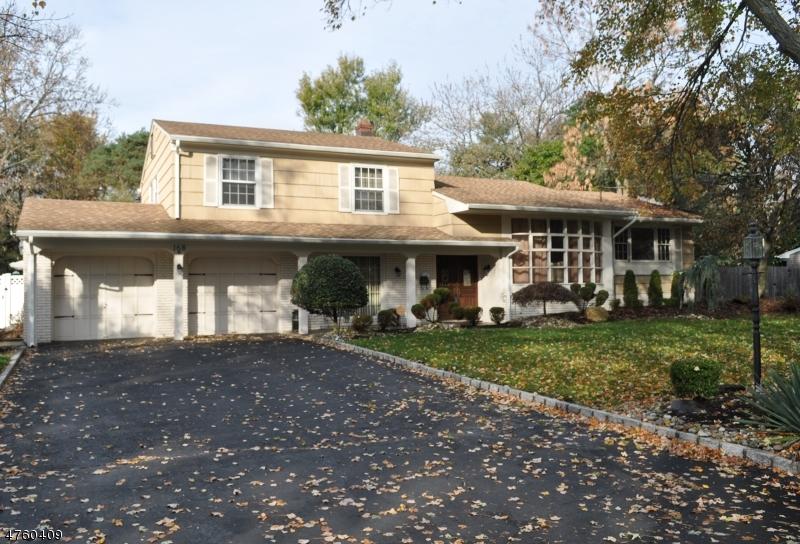 Casa Unifamiliar por un Venta en 168 Colonia Road 168 Colonia Road Woodbridge, Nueva Jersey 07067 Estados Unidos