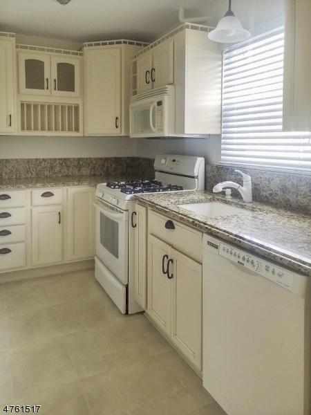 Maison unifamiliale pour l à louer à 51 Roseland Ave, UNIT 9 Caldwell, New Jersey 07006 États-Unis