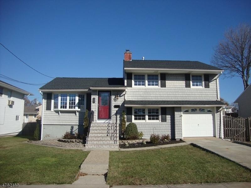 Μονοκατοικία για την Πώληση στο 122 Markowitz Street 122 Markowitz Street Carteret, Νιου Τζερσεϋ 07008 Ηνωμενεσ Πολιτειεσ