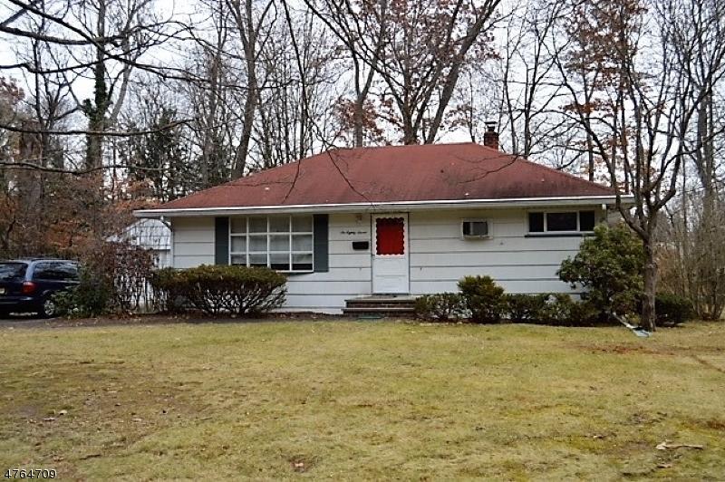 Частный односемейный дом для того Аренда на 687 Burke Street Washington, Нью-Джерси 07676 Соединенные Штаты