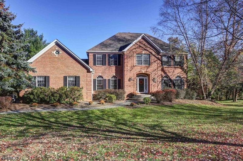 Частный односемейный дом для того Аренда на 105 Bernard Drive Bernards Township, Нью-Джерси 07920 Соединенные Штаты