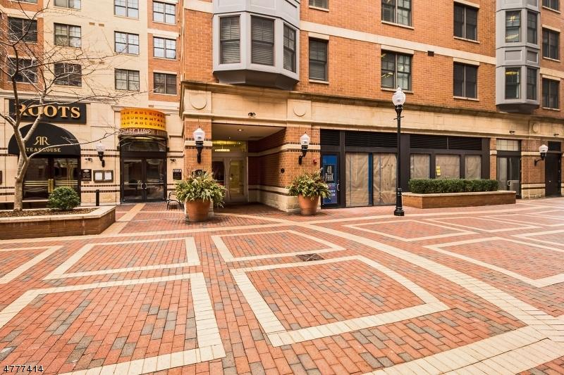 Maison unifamiliale pour l Vente à 40 W Park Pl, 311 Morristown, New Jersey 07960 États-Unis
